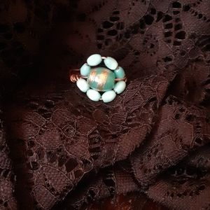 Turquoise blue and gold bead and wire ring sz 8